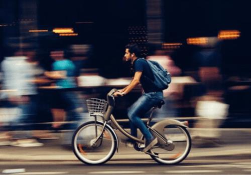 Alltagsräder sind perfekte Fortbewegungsmittel, wenn man in der Stadt oder auf dem Land wohnt
