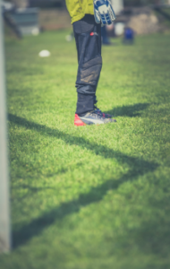 Beim Fußball gelten klare Regeln, an die man sich als Spieler halten muss