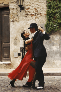 Beim Paartanz interagieren zwei Tänzer als Partner, zum Beispiel bei den Lateinamerikanischen Tänzen oder den Standardtänzen