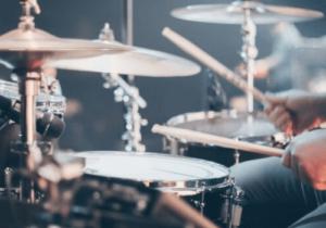 Ein Beispiel für ein Schlaginstrument - das Schlagzeug