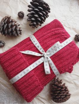 Mit gestrickten Geschenken kann man anderen eine Freude machen