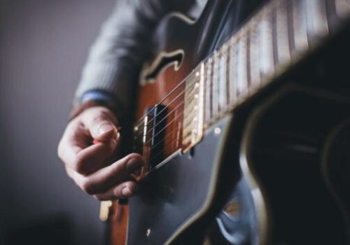 Musikinstrumente sind eine enorme Bereicherung für unser Leben und haben viele positive Auswirkungen auf unseren Körper und Geist